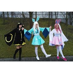 It was soooo awesome . Glaceon: me Sylveon: Sylveon Cosplay, Cosplay Anime, Pokemon Cosplay, Cosplay Diy, Casual Cosplay, Cute Cosplay, Amazing Cosplay, Cosplay Outfits, Best Cosplay