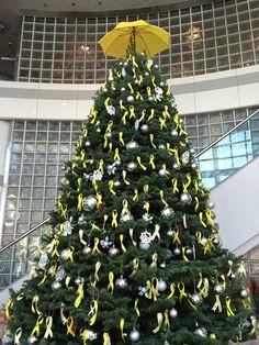 巨型黃絲聖誕樹,自己心願自己寫。 #umbrellarevolution