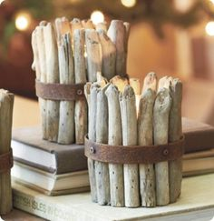 pictures of table decorations made with bark | Get the complete tutorial at Small Garden Love .