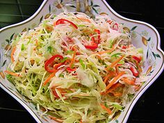 White cabbage party salad, a delicious recipe from the side dish category. Ratings: Average: Ø White cabbage party salad, a delicious recipe from the side dish category. Grilling Recipes, Vegetarian Recipes, Cooking Recipes, Healthy Recipes, Party Salads, Avocado Dessert, Seafood Salad, Cabbage Recipes, Shrimp Recipes