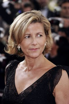 More Pics of Claire Chazal Short Wavy Cut