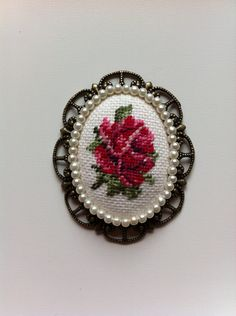 Vintage Rose Cross Stitch Pendant Oval by UncommonCommonThings Mini Cross Stitch, Cross Stitch Rose, Ribbon Embroidery, Embroidery Stitches, Cross Stitch Designs, Cross Stitch Patterns, Hand Embroidery Design Patterns, Sewing Accessories, Head Accessories