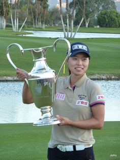 Take 25% OFF + FREE Shipping on all Druh Diamonte Belts, similar to the one Sun-Young Yoo was wearing when she clinched the 2012 Kraft Nabisco Championship! Enter DRUH25 at checkout (exp. 7/27). Spread the word!     http://www.golf4her.com/Druh-Belts-Buckles-s/2022.htm