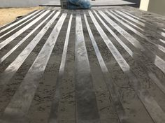 Venetian lined cut stone