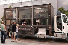 amazing food truck--so fun! sometimes i still think house blend needs a food truck/mobile coffee bar! Architecture Restaurant, Restaurant Design, Restaurant Bar, Food Trucks, Mobile Restaurant, Mobile Cafe, Mobile Shop, Kiosk, Café Bistro
