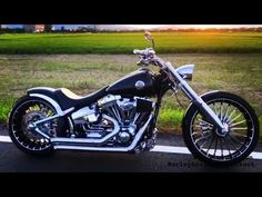 Harley-Davidson Softail Sound (Manabu from Japan) Breakout Harley Davidson, Harley Davidson Trike, Harley Davidson Street Glide, Softail Bobber, Street Bob, Bikes For Sale, Street Tracker, Motorcycle Outfit, Japan