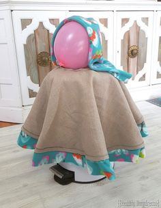 Fleece-lined Hooded Carseat Poncho (Reality Daydream} Fleece Projects, Baby Sewing Projects, Sewing For Kids, Sewing Ideas, Toddler Poncho, Baby Poncho, Girls Poncho, Fleece Poncho, Hooded Poncho
