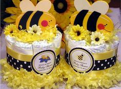 CUTE as CAN BEE baby shower mini diaper cake centerpiece favor - pinnerves Baby Shower Diapers, Baby Shower Favors, Baby Shower Parties, Baby Shower Gifts, Shower Party, Baby Showers, Shower Cake, Diaper Cake Centerpieces, Baby Shower Centerpieces