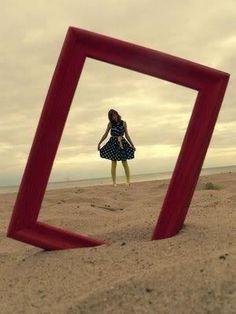 Frame in the Sand. Cute idea!