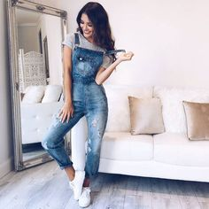 Preppy Outfit Ideas To Finish This Fall With Style, Spring Outfits, women's distressed blue overall pants. Fashion Mode, Hipster Fashion, Petite Fashion, Look Fashion, Girl Fashion, Fashion Outfits, Fashion Fall, Womens Fashion, Fashion Teens