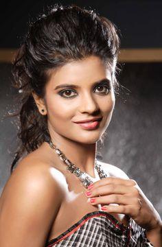 aish rajesh South Indian Actress NEW YEAR DECORATION WALLPAPERS PHOTO GALLERY    4.BP.BLOGSPOT.COM  #EDUCRATSWEB 2020-05-13 4.bp.blogspot.com https://4.bp.blogspot.com/-hmlM5wkozBo/ULBZGE0BNiI/AAAAAAAABm0/HyDFAMtfUB4/s320/new-year-2013-decorations-ideas-wallpapers7.jpg