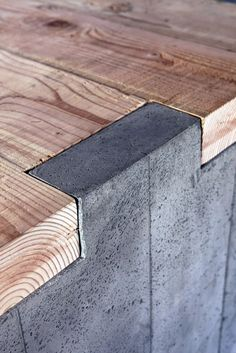 Deux Ex Machina outlet, Venice Beach, California :: detail of concrete-wood table