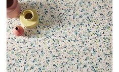 Où trouver un sol en vinyle terrazzo pas cher ? - Home decor ideas : terrazzo style vinyl flooring // Hellø Blogzine - Blog déco lifestyle - www.hello-hello.fr Terrazzo, Dalle Adhesive, Dalle Pvc, Sol Pvc, Reception Counter, Culinary Arts, Get The Job, Getting Things Done, Own Home