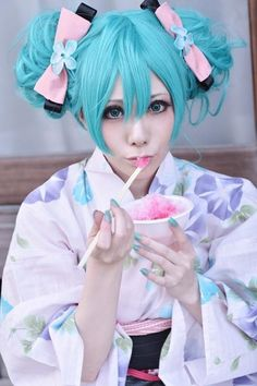 Hatsune Miku in the summer (: