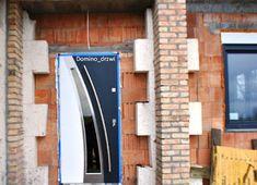 Nowoczesne drzwi drewniane pod projekt.