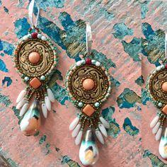 Een persoonlijke favoriet uit mijn Etsy shop https://www.etsy.com/nl/listing/524241789/pueblo-cloud-disc-earrings