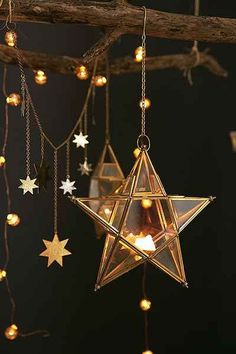 Bring the celestial touch to your wedding decoration by hanging the star pendant lights. Even indoors, you can feel the hype of the wedding under the stars. My New Room, My Room, Celestial Wedding, Decoration Design, Stars And Moon, Stars At Night, Fairy Lights, Fairy Light Tree, Fairy Light Decor