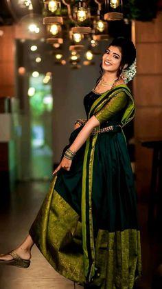 Party Wear Indian Dresses, Indian Gowns Dresses, Indian Bridal Outfits, Indian Bridal Fashion, Indian Fashion Dresses, Indian Designer Outfits, Wedding Saree Blouse Designs, Half Saree Designs, Long Gown Dress