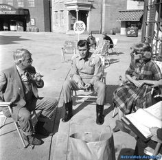 Behind the scenes of The Andy Griffith Show 80 Tv Shows, Great Tv Shows, Barney Fife, Don Knotts, The Andy Griffith Show, Good Old Times, Vintage Tv, Vintage Photos, Tv Land