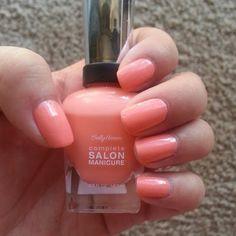 "Sally Hansen ""peach of cake"""
