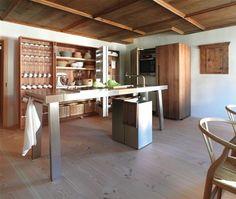 Cuisine au plafond de bois