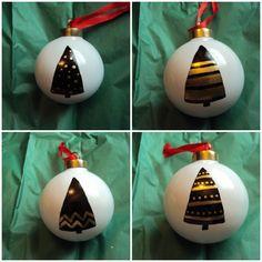 easy DIY ornaments Ornaments Design, Diy Christmas Ornaments, How To Make Ornaments, Homemade Christmas, Holiday Crafts, Holiday Fun, Christmas Time, Christmas Bulbs, Christmas Decorations