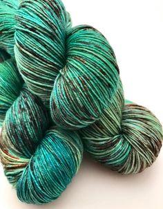 Hand gefärbte Garn grün Yelliw blau braun von CrookedKitchenYarn