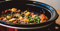Best dog food recipes crockpot in 2018 are explained in this article. You will have complete control over each ingredient with no surprises and the top brands are quite expensive when it comes to… Dog Training Methods, Basic Dog Training, Dog Training Techniques, Training Dogs, Dog Biscuit Recipes, Dog Food Recipes, Healthy Recipes, Cooker Dog, Slow Cooker