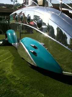 Futureliner?  Retro at its best.  This is a silver bullet.  Like the rear fender dual lites.