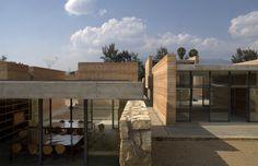 The School of Visual Arts of Oaxaca / Taller de Arquitectura-Mauricio Rocha. Photo Luis Gordoa