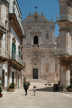 Martina Franca Little capital of the beautiful - Places - Puglia Cities In Italy, Places In Italy, Places Around The World, Around The Worlds, Things To Do In Italy, Italian Lakes, Renaissance, Visit Italy, Travel And Leisure