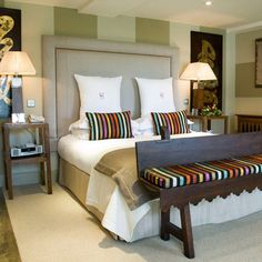 Whether it's a romantic country retreat or a family adventure, stay at the Calcot Hotel & Spa. Luxurious rooms with all the home comforts you need for a relaxing stay. Luxury Hotels Uk, Cotswolds Hotels, Country Breaks, Pride Of Britain, Country Modern Home, Country House Hotels, Home Comforts, House Beds, Hotel Spa
