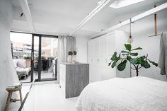 Gravity Home: Light Scandinavian apartment Tiny Studio Apartments, Scandinavian Apartment, Scandinavian Interiors, Gravity Home, Loft Studio, Living Spaces, Living Room, Dream Bedroom, My Room