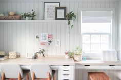 guest room home office combo room makeover ideas Bedroom Office Combo, Home Office Closet, Home Office Desks, Office Spaces, Shared Home Offices, Guest Bedroom Home Office, Spare Room Office, Sunroom Office, Garden Office
