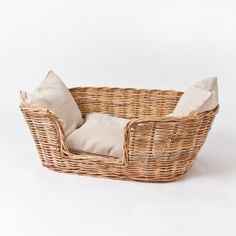MISS WEIR'S DOG BASKET | Coote and Co