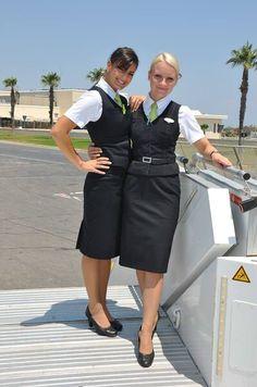 Air Hostess Uniform, Airline Uniforms, Flight Attendant Life, Intelligent Women, Air New Zealand, Professional Wear, Good Looking Women, Cabin Crew, Office Ladies