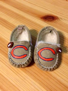 Hey, I found this really awesome Etsy listing at https://www.etsy.com/listing/201266457/chicago-bears-baby-booties