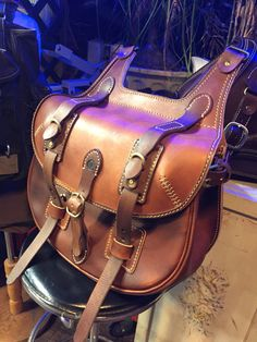 seoul korea hand·made by pearl bike shop Leather Saddle Bags, Leather Art, Sewing Leather, Custom Leather, Leather Design, Leather Tooling, Canvas Leather, Bike Leathers, Side Bags