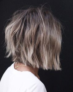 60 Beautiful and Convenient Medium Bob Hairstyles – Frauen Haare Medium Bob Hairstyles, Hairstyles Haircuts, Pretty Hairstyles, Hairstyles Videos, Boho Hairstyles, Quick Hairstyles, Everyday Hairstyles, Formal Hairstyles, Ponytail Hairstyles
