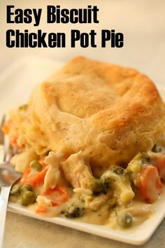 Six Sisters Easy Biscuit Chicken Pot Pie Easy Biscuit Chicken Pot Pie Recipe, Chicken And Biscuits, Biscuit Pot Pie, Chicken Pot Pie Casserole, Skillet Chicken, Potato Casserole, Cheesy Chicken, Casserole Recipes, Pie Recipes