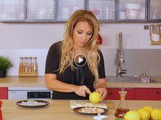 La chanteuse troque son micro contre un couteau et nous présente l'un de ses recettes favorites pour un dîner festif.