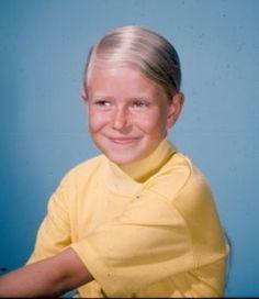 Cindy Brady Action Figure - The Brady Bunch Fan Art - Fanpop Old Tv Shows, Best Tv Shows, Favorite Tv Shows, The Brady Bunch, Eve Plumb, Childhood Tv Shows, Three Boys, Comedy Show, Vintage Tv