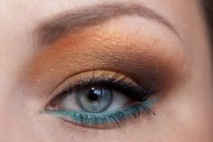 DIOR 'Turquoise' Diorshow Liner Waterproof - DIOR Croisette - Review & Swatches http://www.magi-mania.de/dior-turquoise-diorshow-liner-waterproof/