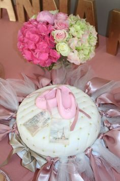 Dance all night long. A ballet dancer with a love for gold, pink and lots of fun. Ballet cake with special handmade tutu.