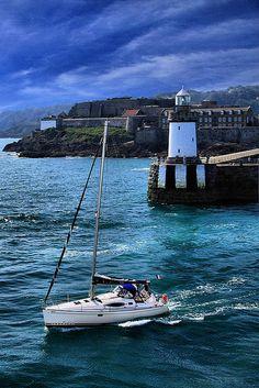Guernsey Lighthouse, St.Peter Port #Lighthouse #lighthouses