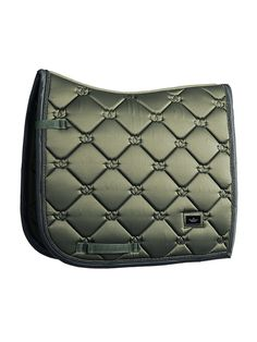Equestrian Stockholm's dressage saddle pads is the perfect choice for competitive and aspiring riders. Equestrian Boots, Equestrian Outfits, Equestrian Style, Equestrian Fashion, Riding Hats, Horse Riding, Riding Helmets, Riding Clothes, Riding Gear