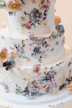 {Fun Romantic Wedding in Pennsylvania Photo by Jaye Kogut Photography wedding planning, wedding tools, wedding ideas, we Floral Wedding Cakes, Wedding Cake Rustic, Beautiful Wedding Cakes, Wedding Cake Designs, Beautiful Cakes, Perfect Wedding, Fall Wedding, Dress Wedding, Wedding Ideas