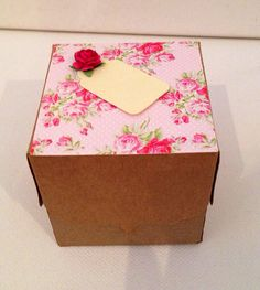 Vintage Shabby Chic floral gift box / wedding favours with flower & personalised name tag for table settings or gifts on Etsy, Vintage Shabby Chic, Wedding Favours, Favors, Table Settings, Trending Outfits, Unique Jewelry, Handmade Gifts, Box, Flowers