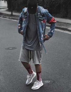 25 cheap premium mens streetwear summer 8 ⋆ talkinggames net is part of Streetwear summer - 25 cheap premium mens streetwear summer 8 Yeezy Outfit, Jungs In Shorts, Hypebeast Outfit, Mode Man, Mode Streetwear, Streetwear Shorts, Casual Street Style, Men Looks, Stylish Men