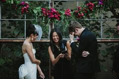 Adorable ceremony moment | Photo by Leo And Kat